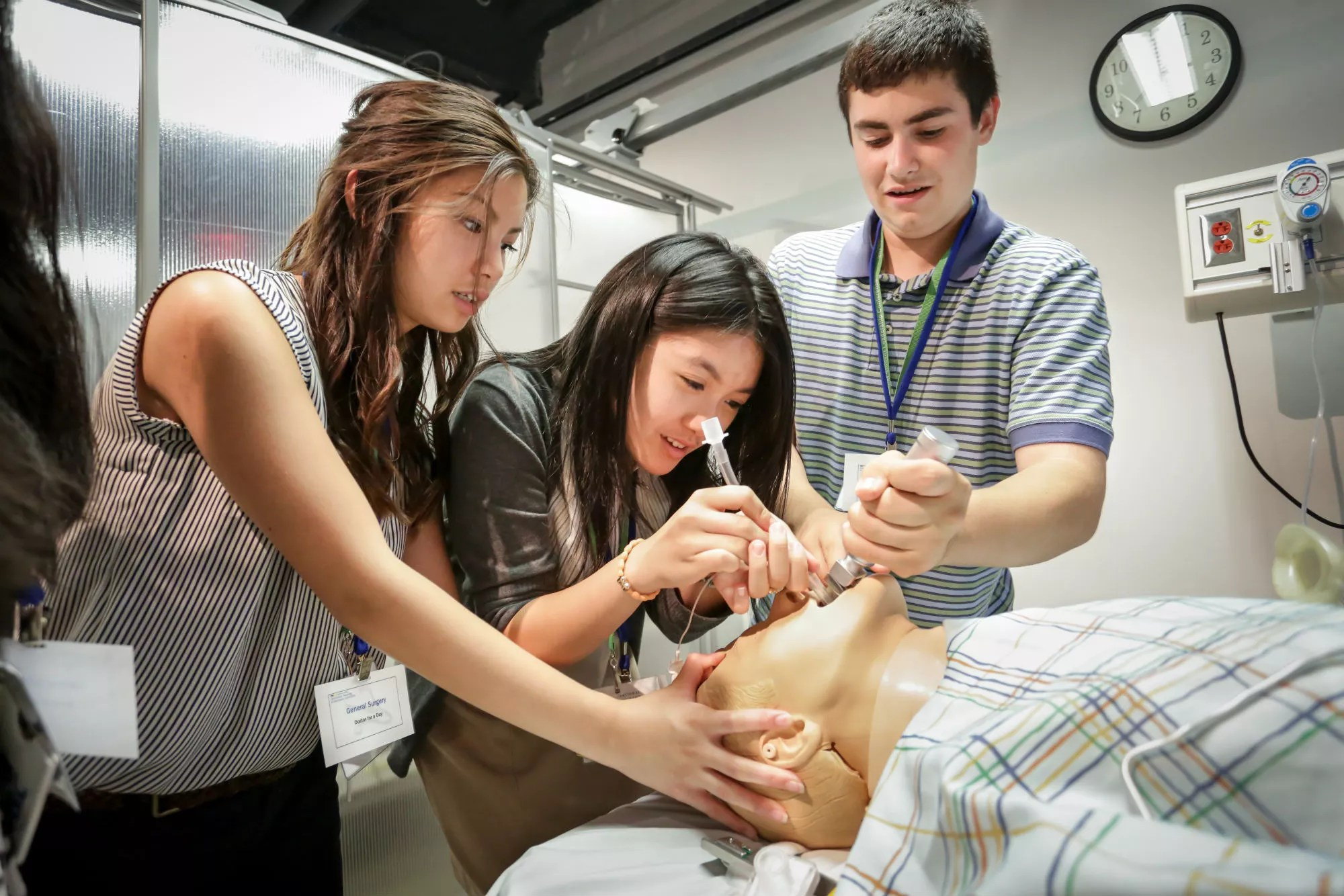 Explore Our Summer Medical Programs For High School