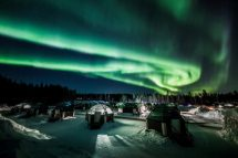Video Strong Northern Lights Dance In Lapland Sky