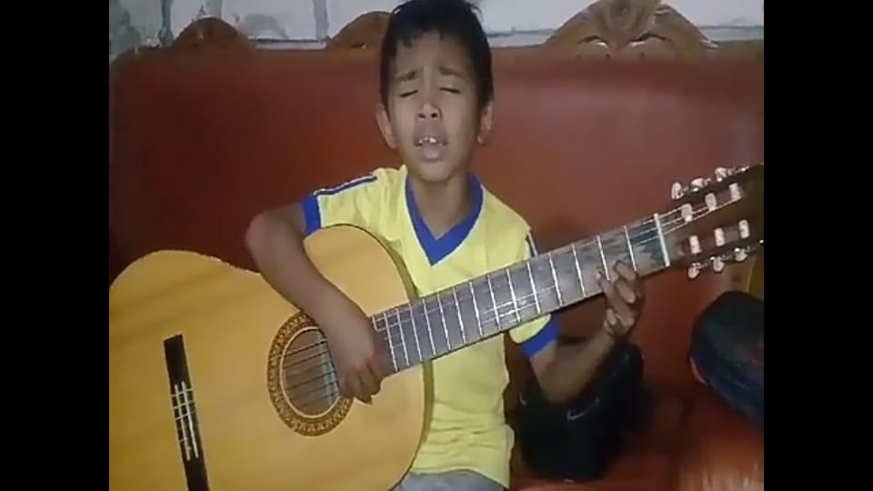 Viral, Anak Seorang Wartawan Nyanyi Lagu