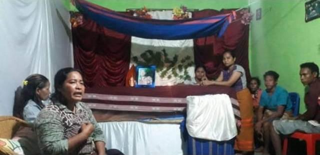 Viral, Keluarga Bongkar Makam Pasien PDP di Sumba Barat Daya