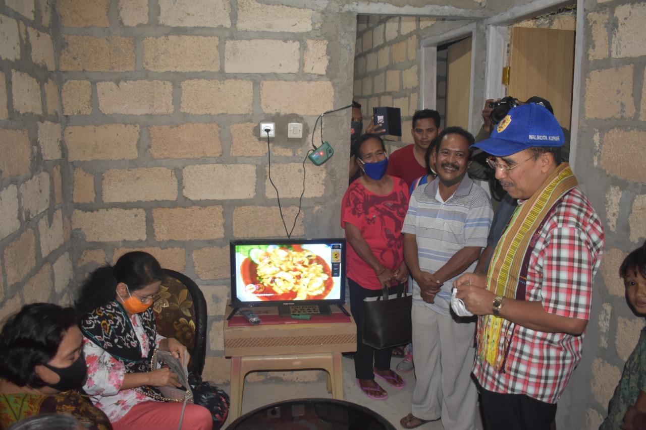 Program Bedah Rumah Terus Mendapat Apresiasi Warga Kota Kupang
