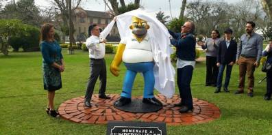 Homeso Simpson Estatua