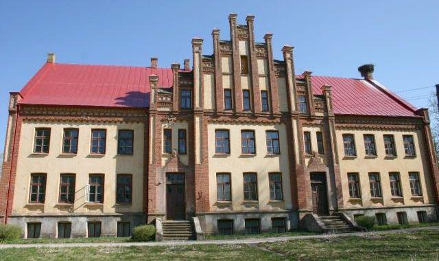 Kandavas novada dome lemj par Grenču skolas ēkas pārdošanu