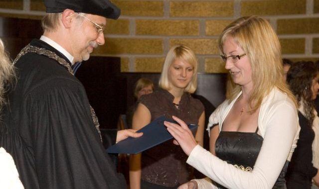 Iegūst stipendijas – «Ceļamaize 2009»