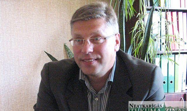 Nespējot izturēt emocionālo vardarbību, atlūgumu uzrakstījis Kandavas izpilddirektors Guntis Gelpers