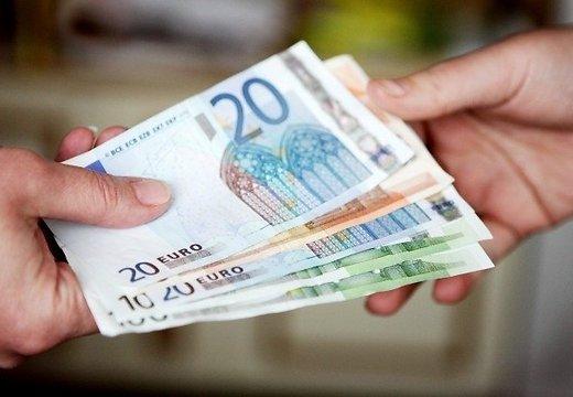 Divās nedēļās Latvijā konstatētas trīs viltotas eiro banknotes