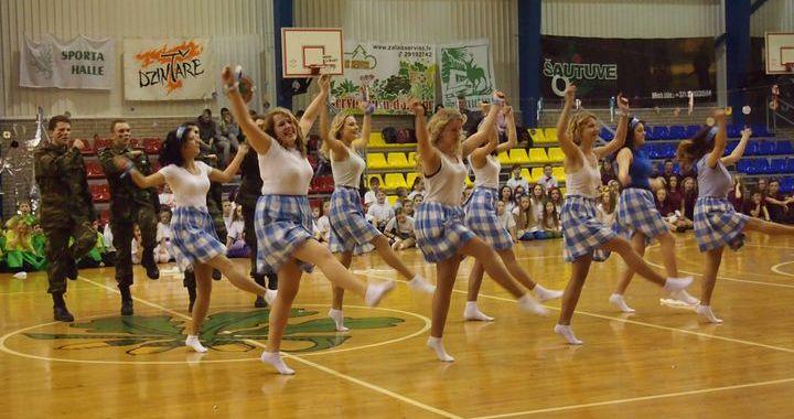 Ritmikas diena «Griežam laiku deju virpulī» Kandavā /FOTO/