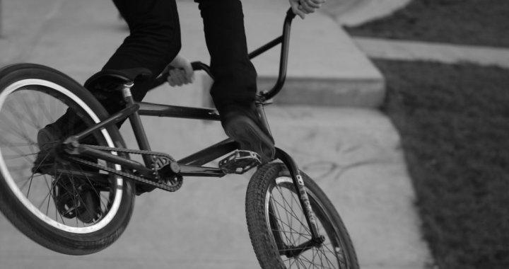 Vānē nozog higiēnas preces; Tukumā atrasts BMX velosipēds