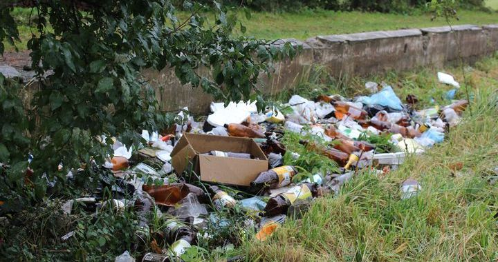 Pie lielveikaliem Tukumā veidojas atkritumu izgāztuves