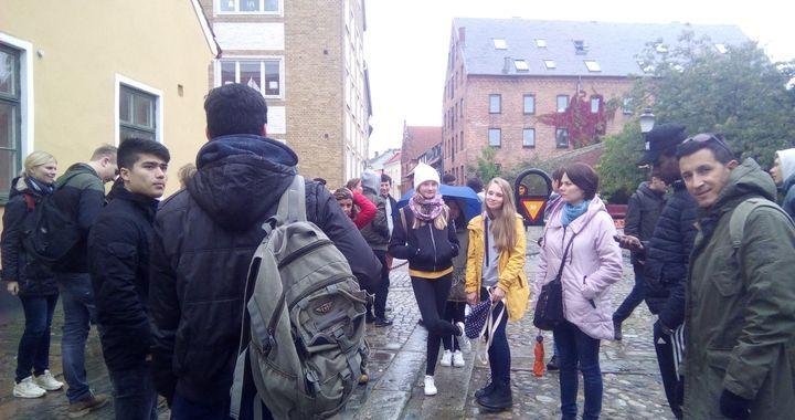 Jaunpils jaunieši Zviedrijā diskutē par migrāciju