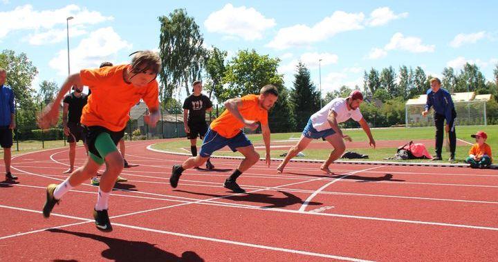 Aizvadīti Engures novada sporta svētki