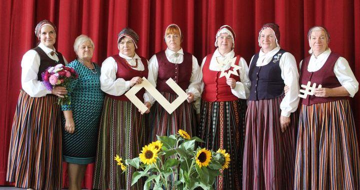 Viesatu folkloras kopa nosvinējusi savu pirmo piecgadi