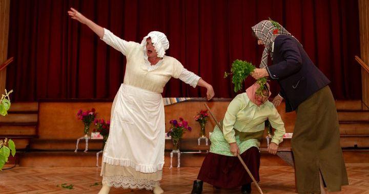 Zentenes teātra svētkos