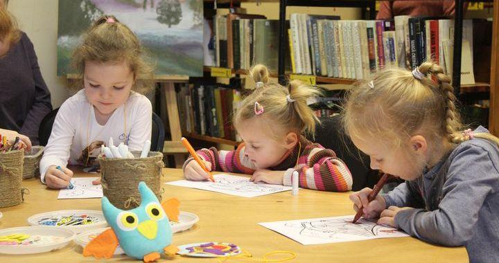 Pirmā iepazīšanās ar bibliotēku Jaunpilī/FOTO/
