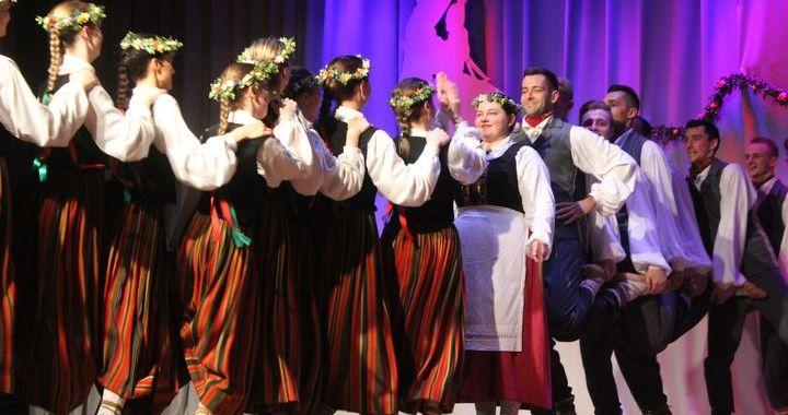 Engures jauniešu deju kolektīvam «Ungurs» – 40+ /FOTO/