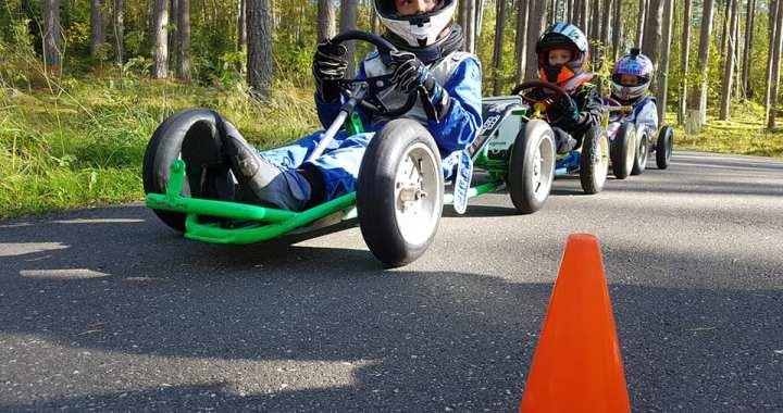 Tukumnieki – minikāru braukšanas čempioni!