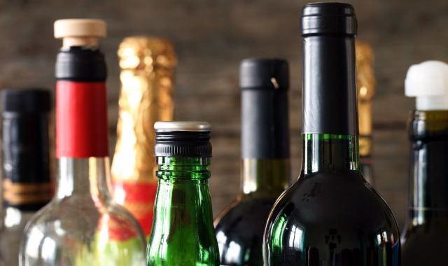 Jaunā koronavīrusa krīzes laikā internetā varēs iegādāties arī alkoholu