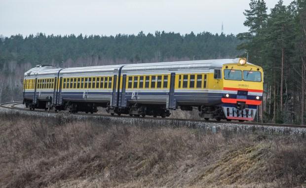 Veikta virkne pasākumu, lai veicinātu piesardzību un nodrošinātu vilcienu pasažieru distancēšanos