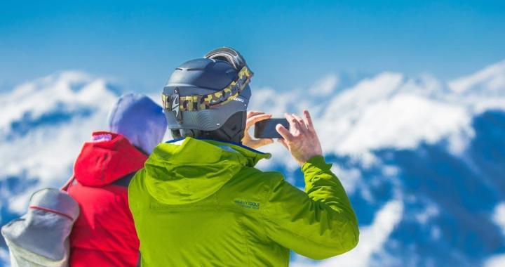 Vislabākās slēpošanas ķiveres izvēle