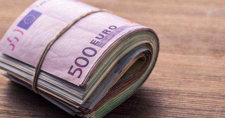 Kā var prasīt norēķināties tikai skaidrā naudā?