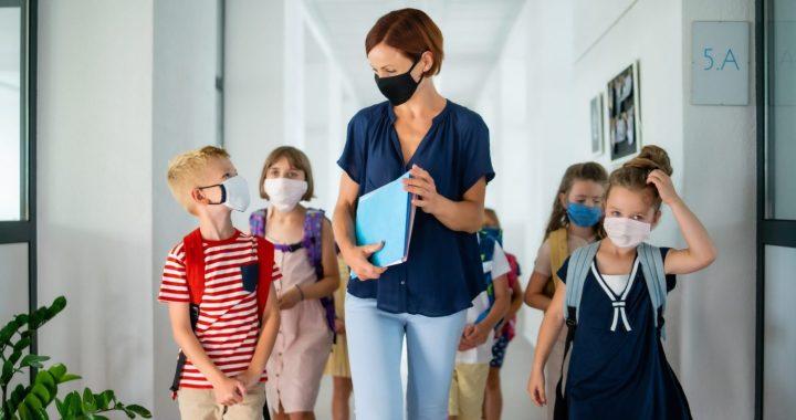 Mazākajām klasēm plāno pagarināt skolēnu brīvlaiku līdz 25. janvārim