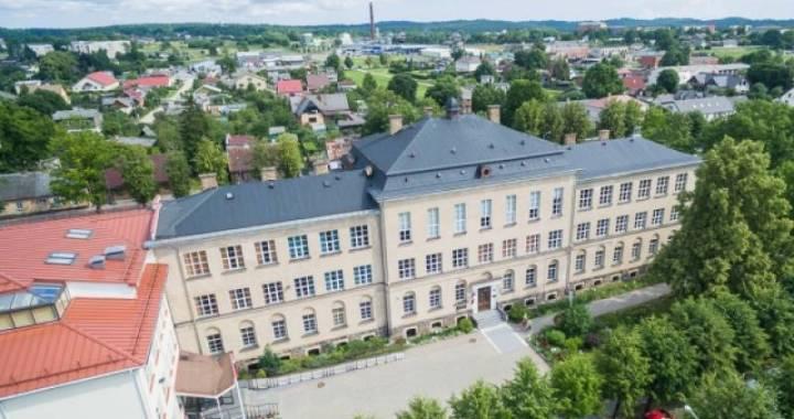 Arī Saeima atbalsta grozījumus likumā un Tukuma Raiņa ģimnāzijai  paveras iespēja pretendēt uz valsts ģimnāzijas statusu
