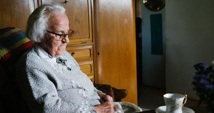 Konceptuāli vienojas par pabalsta izmaksu pensionāriem un cilvēkiem ar invaliditāti
