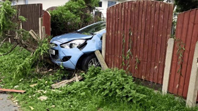 Bezatbildīgs automašīnas vadītājs izraisa pāris ceļu satiksmes negadījumus Tukumā