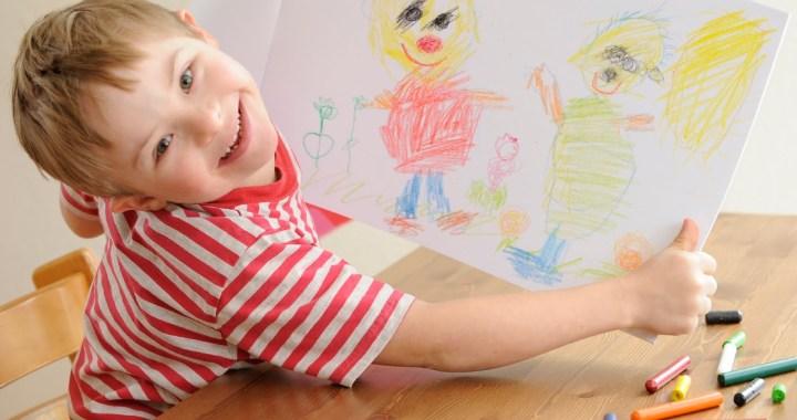 Bērnu invalīdu vecāki varēs pieteikties pensijai ar atvieglojumiem