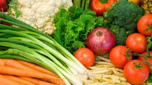 Sāk pastiprinātas svaigu dārzeņu un augļu pārbaudes