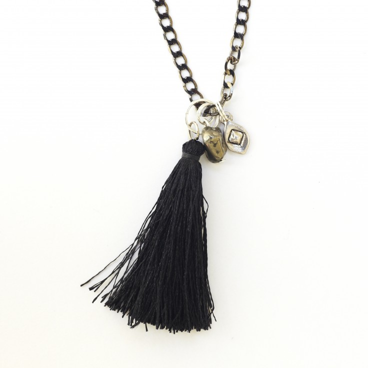 tassel necklace black fashion Montreal Style Blogger