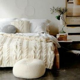 White Bed Bedroom Knits Minimalist