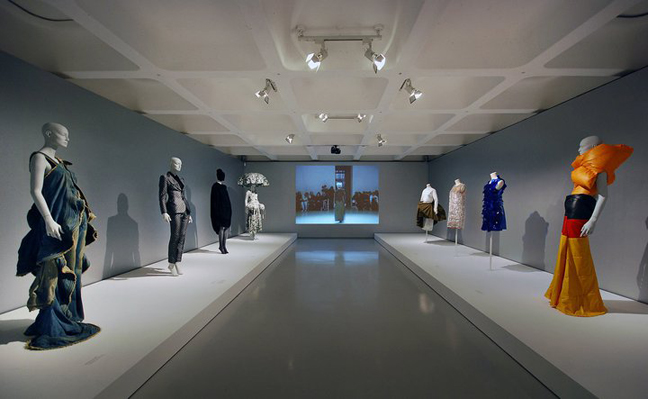 30 Years of Japanese Fashion at Barbican Art Gallery www.itsliquid.com