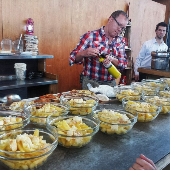 Laurent Godbout et sa poutine d'ananas