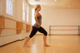 Stretching Montreal Fitness Women Train Cory Vines MAA Gym Barre Studio Stretch Fitness Wellness Well-being