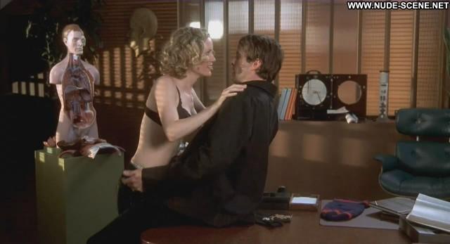 Leslie Mann Stealing Harvard Bra Shirt Desk Showing Cleavage