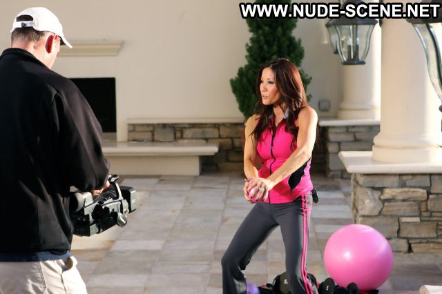 Kiana Tom Workout Celebrity Nude Scene Actress Showing Tits