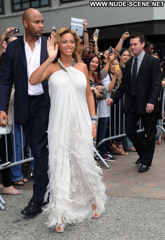 Beyonce Singer Posing Hot Celebrity Celebrity Babe Nude Nude Scene
