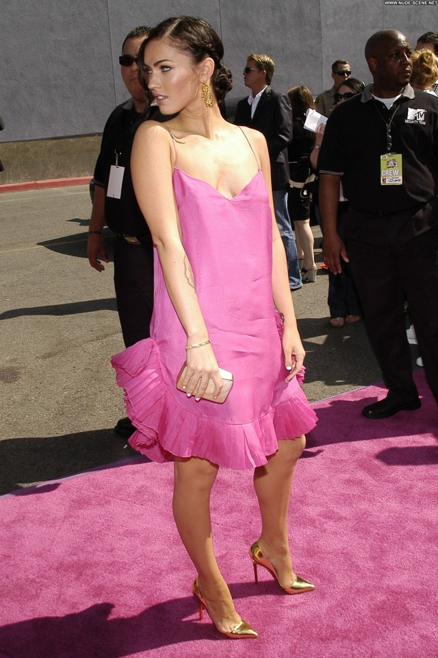 Megan Fox 2007 Mtv Movie Awards Candids Posing Hot Celebrity