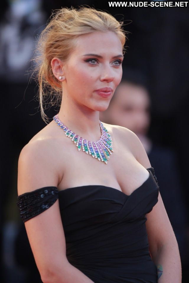 Scarlett Johansson Under The Skin Beautiful Posing Hot High
