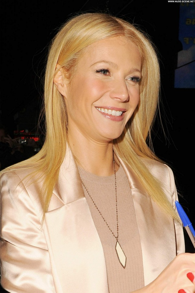 Gwyneth Paltrow New York High Resolution Celebrity New York Posing