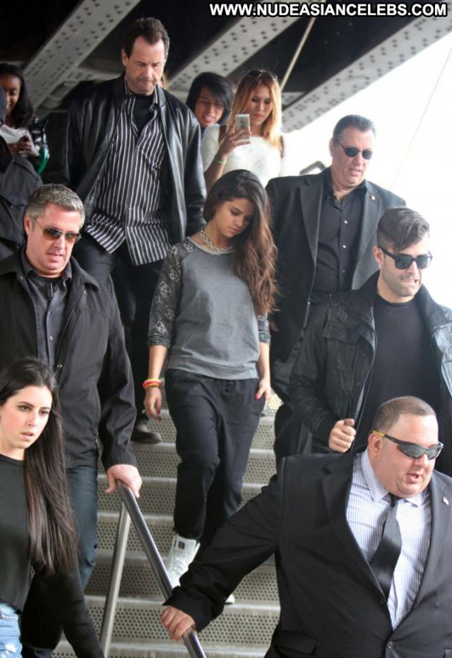 Selena Gomez Beautiful Photoshoot Babe Celebrity Posing Hot Paparazzi