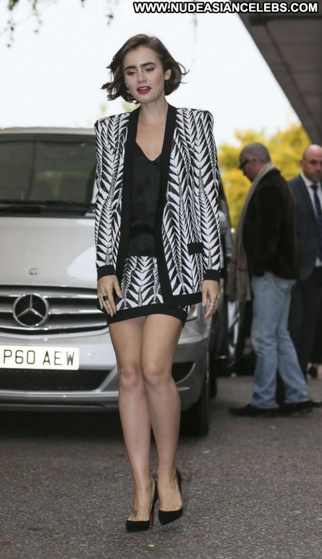 Lily Collins Beautiful Babe Posing Hot London Paparazzi Celebrity