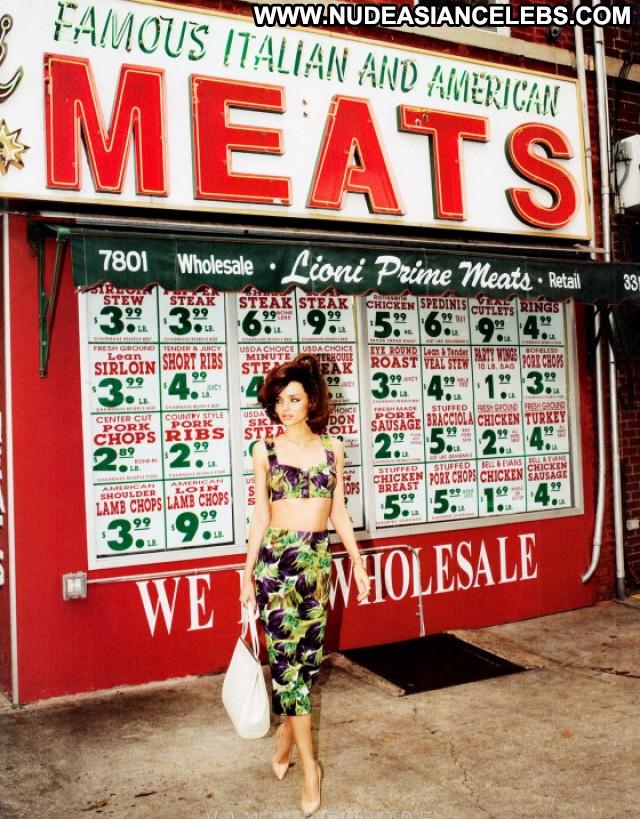 Miranda Kerr S Magazine Posing Hot Celebrity Beautiful Magazine