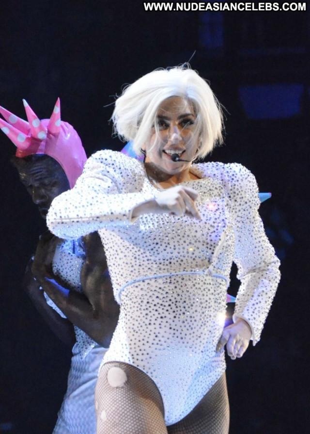 Lady Gaga Posing Hot Live Babe Beautiful Gag Paparazzi Celebrity Nude