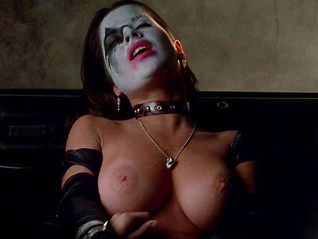 busty scream queen kelly monaco