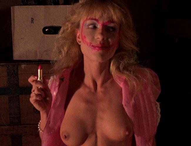 scream queen linnea quigley nude