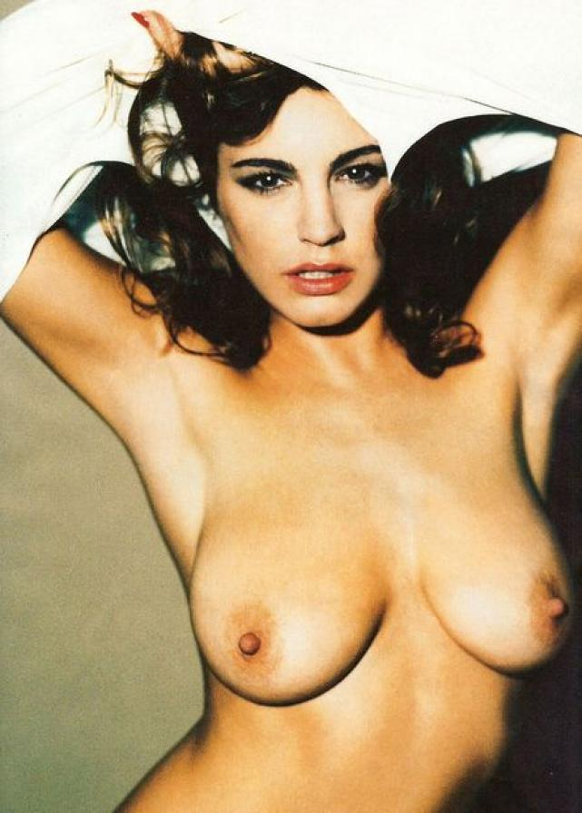 kelly brook topless modelling