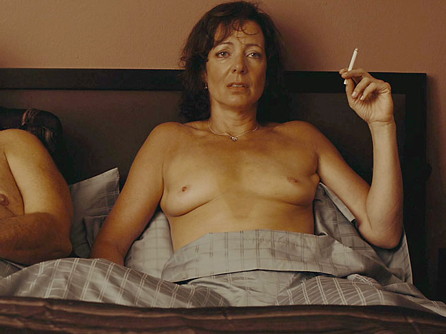 golden globe winners nude allison janney