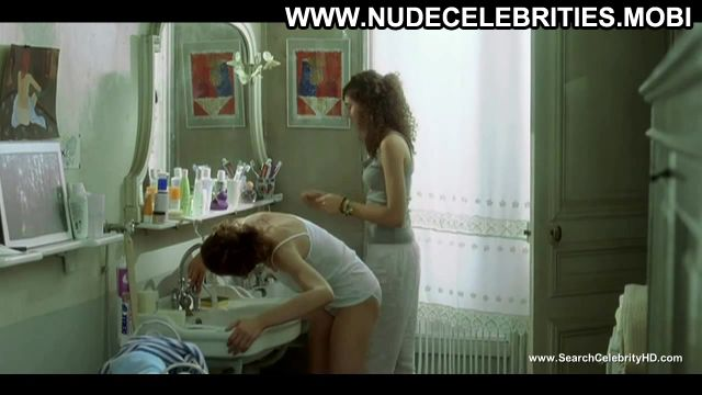 Laetitia Casta Bathroom Lesbian Scene Actress Gorgeous Horny